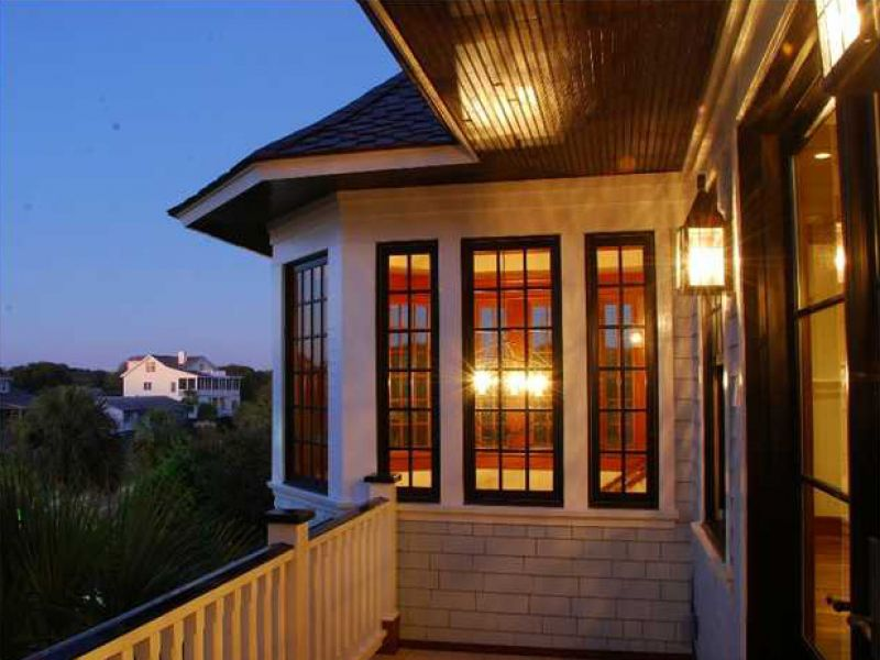 Balcones espaciosos en donde podrá disfrutar de su café en la mañana mirando el océano.